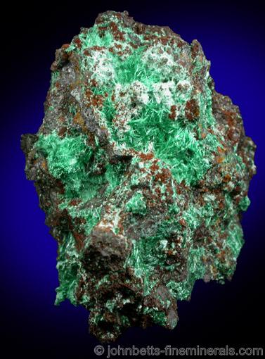 Brochantite on Hematite