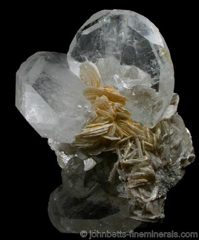 Goshenite with Muscovite