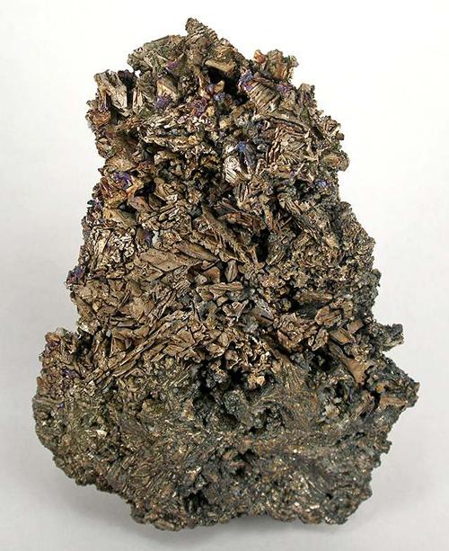 Huge Crystallized Bismuth Cluster