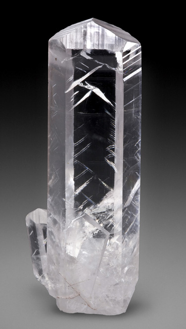 Outstanding Prismatic Calcite Crystal