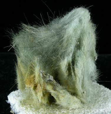 Hairlike Clinozoisite Masses