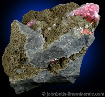 Johannsenite with Rhodochrosite