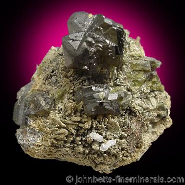 Johannsenite with Sphalerite