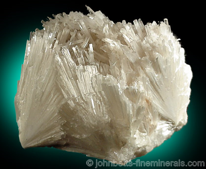 Blocky Scolecite Cluster